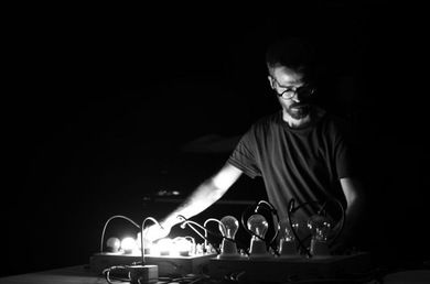 PERFORMING SOUND #28: DLIGHT! / Marti Guillem